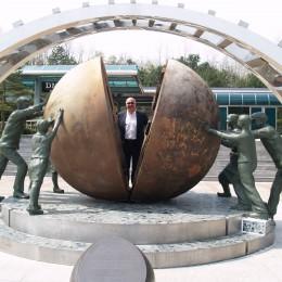DMZ, al confine fra le Coree:  tunnel, missili e ginseng