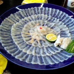 Sushi, sashimi, inferno d'acqua al mercato del pesce di Tokyo