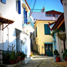 La Grecia lontana dal mondo  Manolates, il borgo di Samos