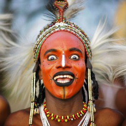 """Niger, scelgono le donne  e i ragazzi fanno i """"velini"""""""