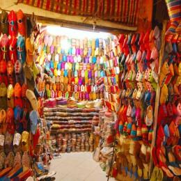 Marrakech, venditori d'acqua  e incantatori di serpenti