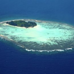 Un'isola per due in Indonesia  A Krakal, figlia del Kura Kura